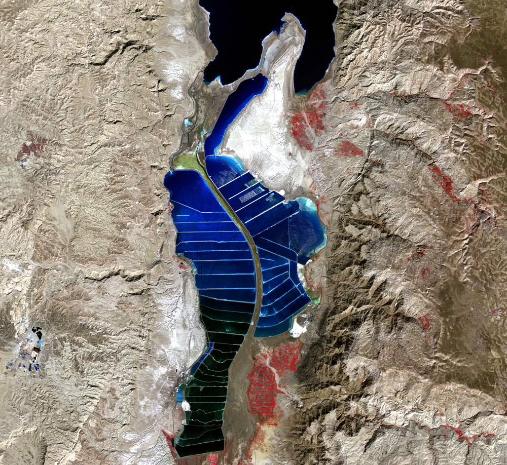 Oct. 28, 2000, Landsat 7 (path/row 174/38) — southern Dead Sea