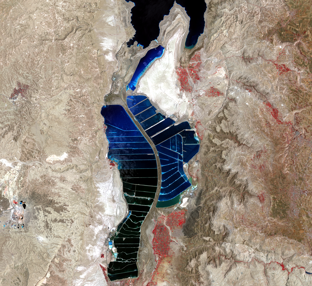 June 13, 2017, Landsat 8 (path/row 174/38) — southern Dead Sea