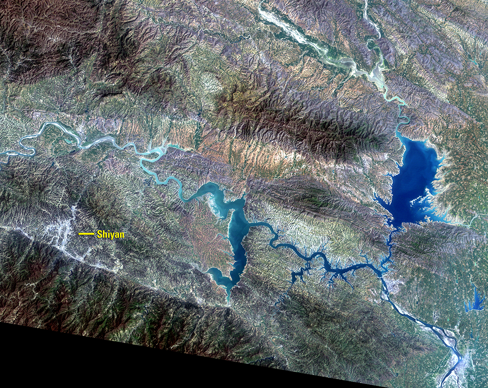 Apr. 17, 1987, Landsat 5 (path/row 125/37) — Shiyan, China
