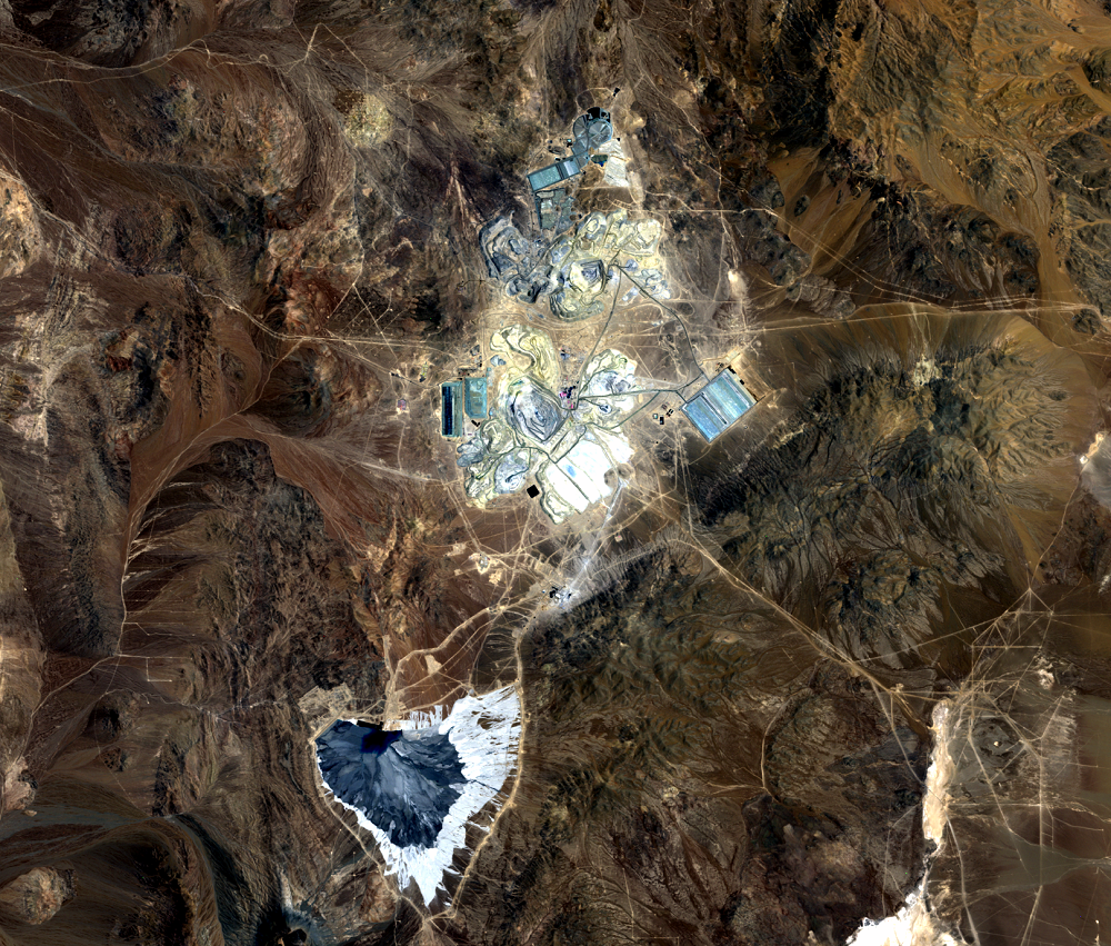 Nov. 17, 2011, Landsat 5 (path/row 233/77) — Escondida Mine, Chile