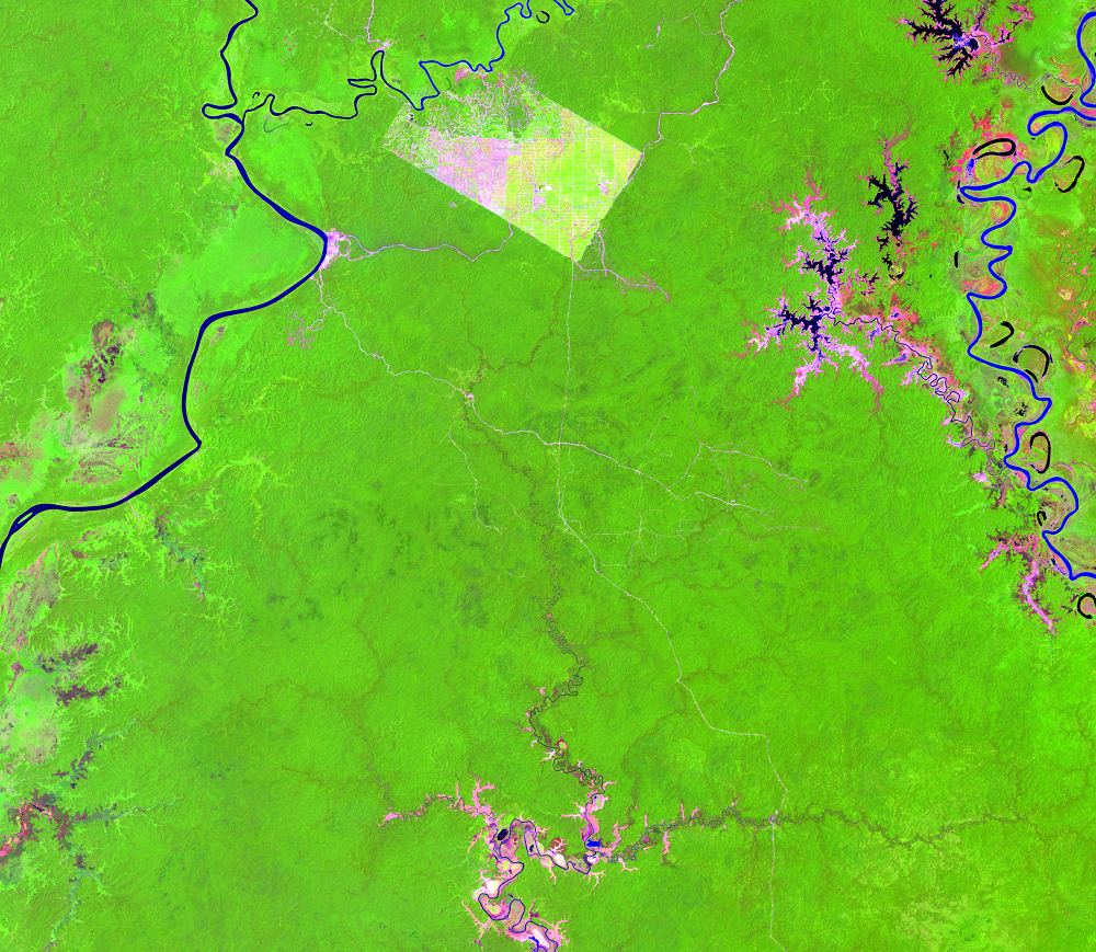 Oct. 28, 2002, Landsat 7 (path/row 100/65) — Papua, Indonesia