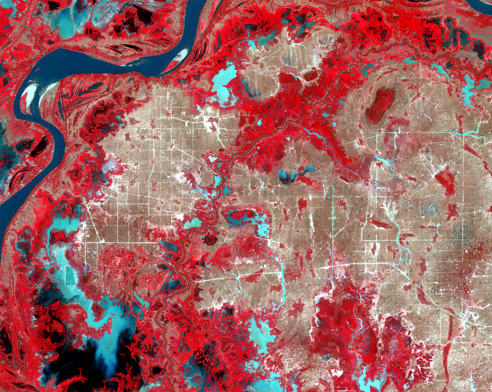 Jan. 14, 2009, Landsat 5 (path/row 126/52) — Irrigation canals east of Phnom Penh, Cambodia