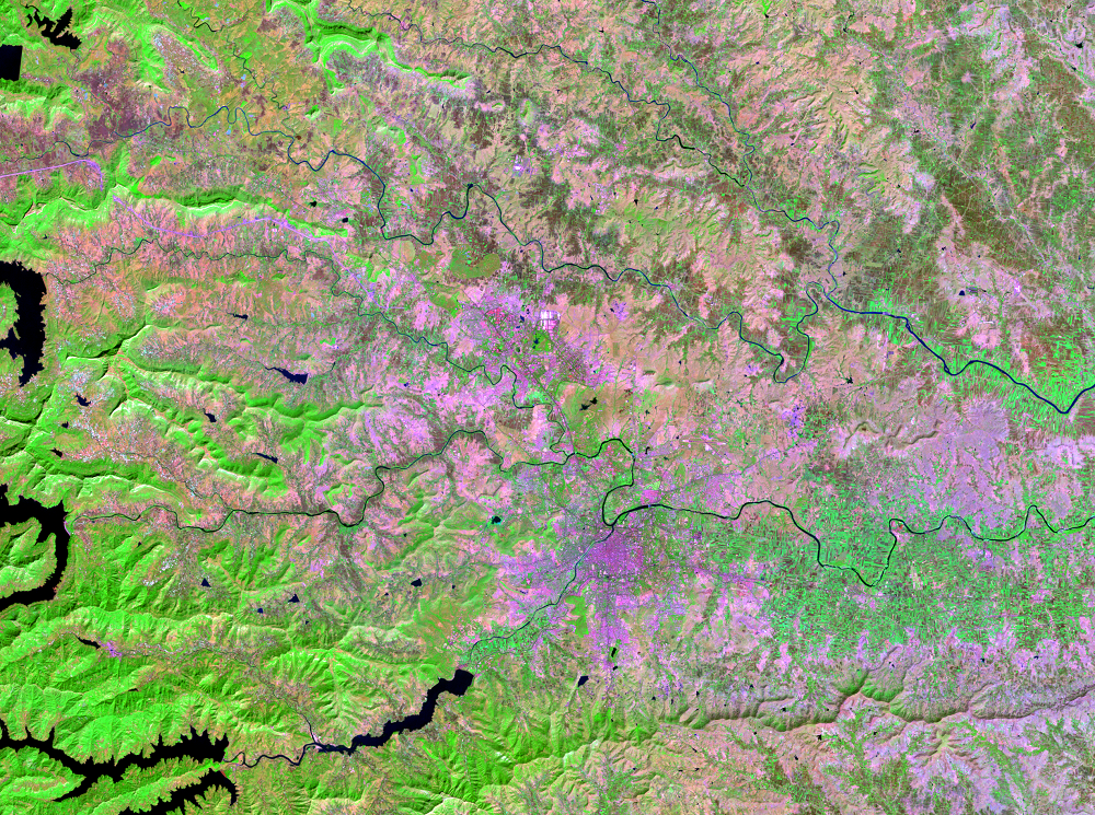 Nov. 14, 1999, Landsat 7 (path/row 147/47) — Pune, India