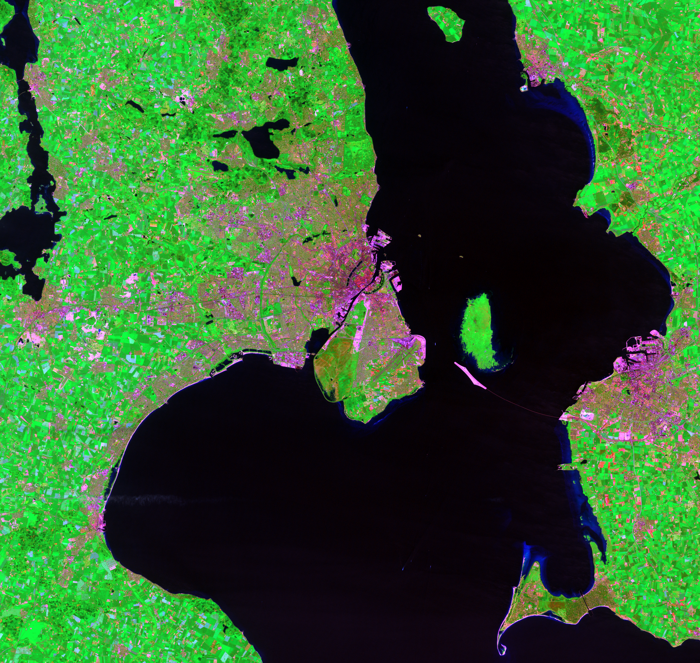 July 7, 2001, Landsat 7 (path/row 194/21) — Copenhagen, Denmark