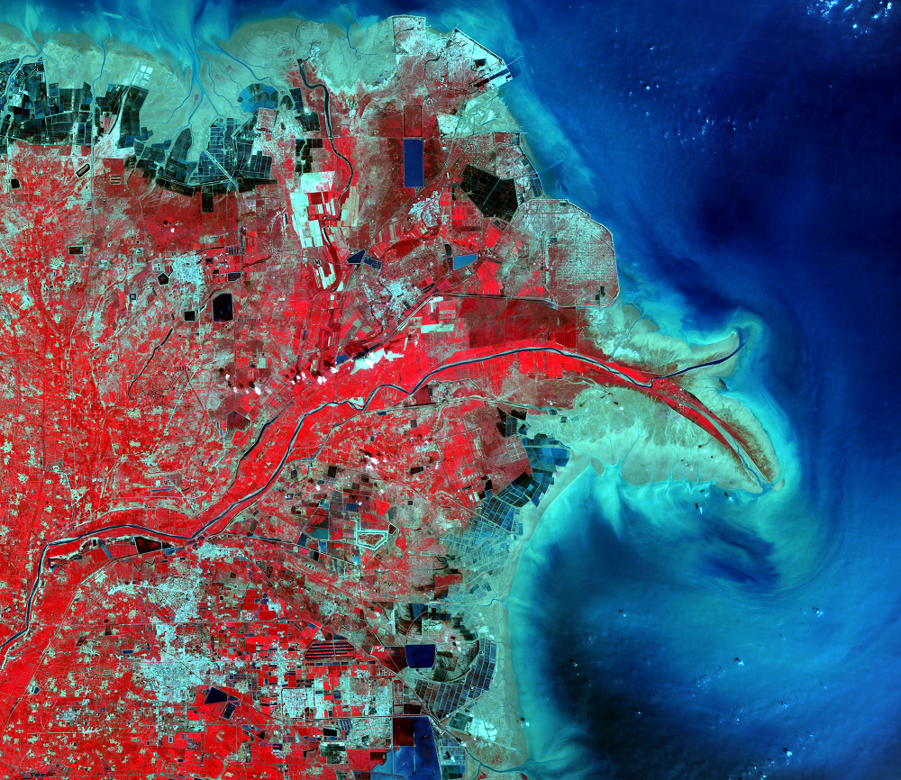Sept. 2, 2001, Landsat 5 (path/row 121/34) — Huang He Delta, China