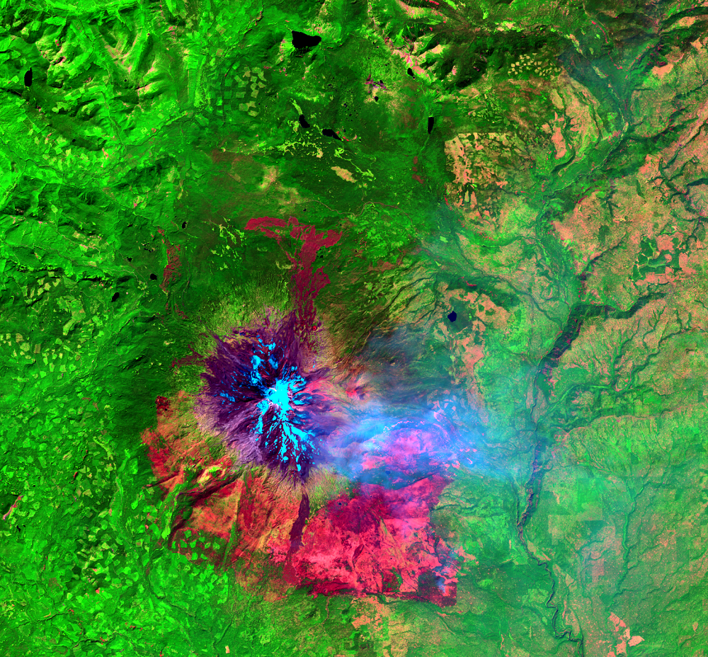 Aug. 19, 2015, Landsat 8 (path/row 45/28) — Cougar Creek Fire, Mount Adams, WA, USA