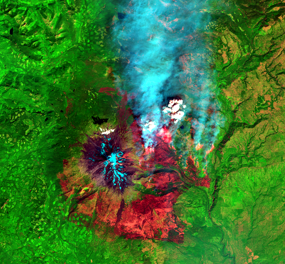 Aug. 26, 2015, Landsat 8 (path/row 46/28) — Cougar Creek Fire, Mount Adams, WA, USA