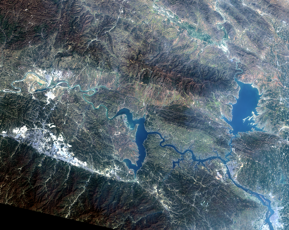 Mar. 26, 2014, Landsat 8 (path/row 125/37) — Shiyan, China