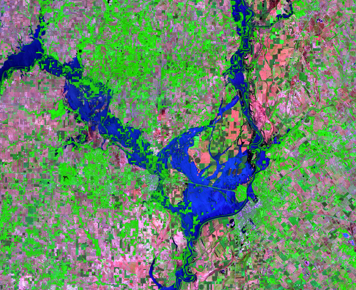 June 11, 2008, Landsat 5 (path/row 22/33) — Flooding at Lawrenceville, Illinois, and Vincennes, Indiana, USA