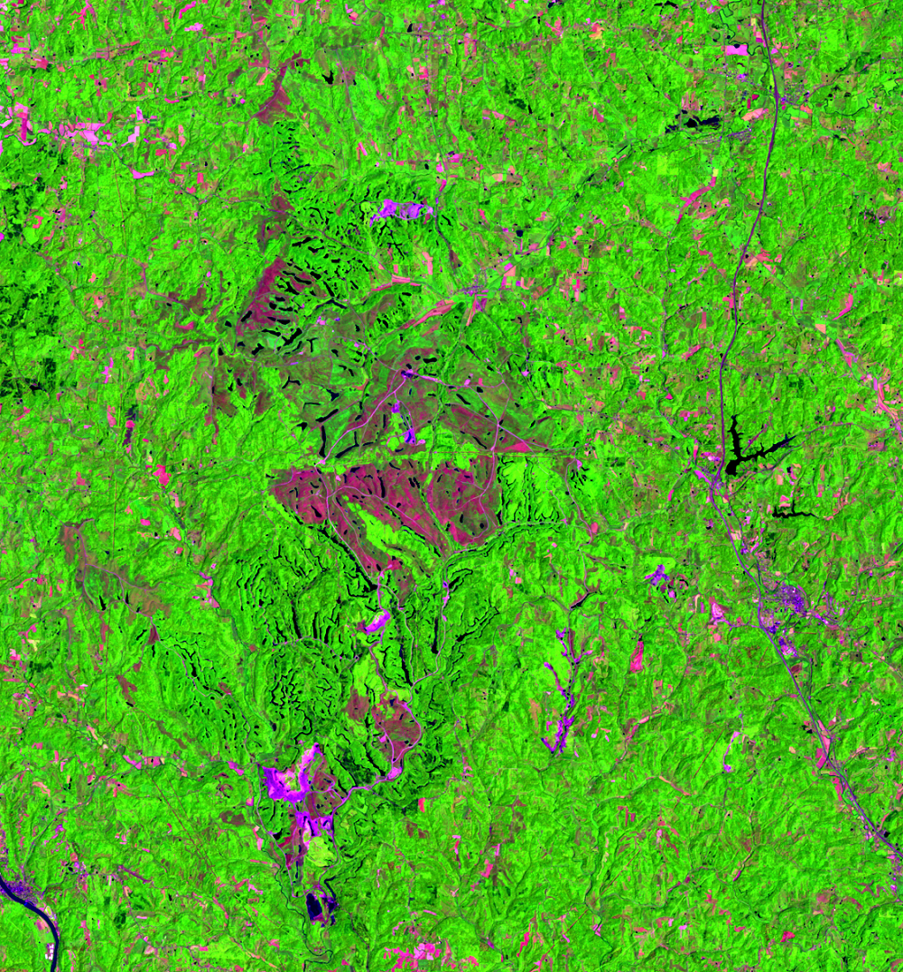 June 9, 2000, Landsat 5 (path/row 18/32) — Close up of Muskingum Mines, Ohio, US