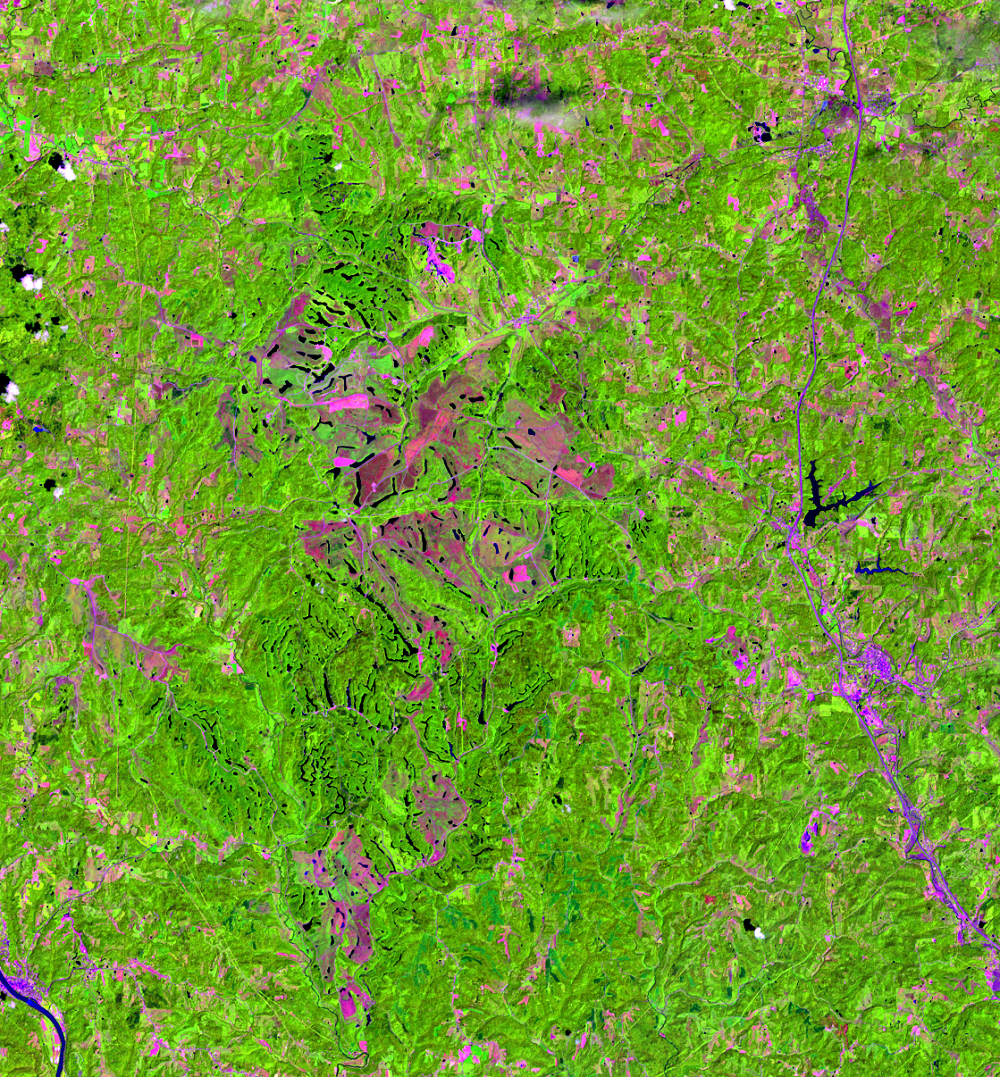 July 15, 2013, Landsat 8 (path/row 18/32) — Close up of Muskingum Mines, Ohio, USA
