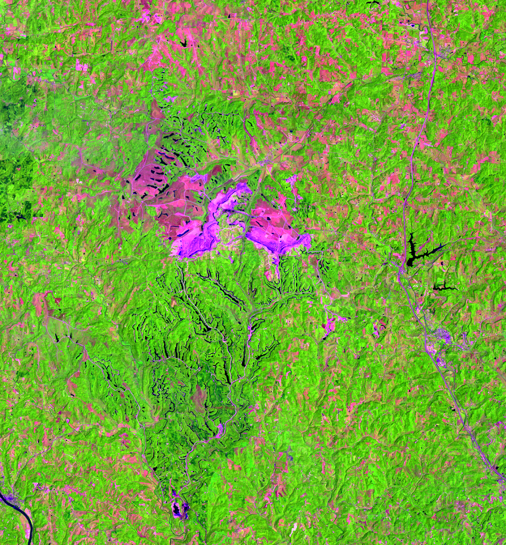July 18, 1985, Landsat 5 (path/row 18/32) — Close up of Muskingum Mines, Ohio, USA
