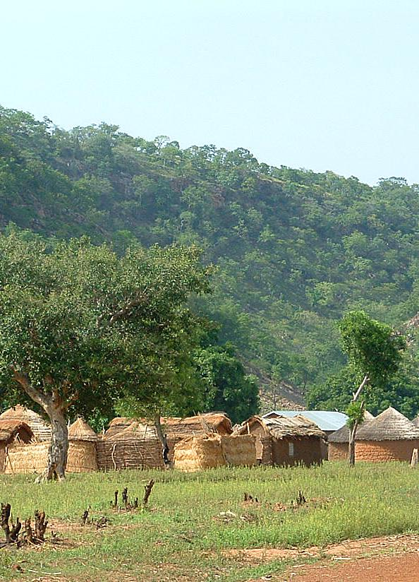 A village in northern Benin at the base of the Atacora mountain range © Robert Watrel/SDSU